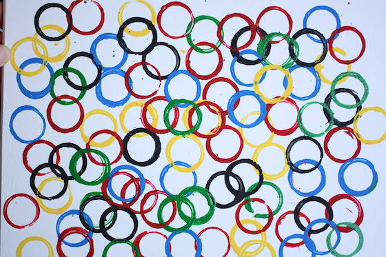 olympic-rings-stamped-with-cardboard-rolls